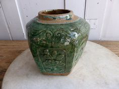 Antique Chinese green glazed pottery Ginger por AntheasAtticLondon