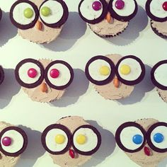 Owl Cupcakes - Chocolate cupcakes and cream cheese icing, Oreo eyes and colored m perfect fun idea for a children's party or snack!