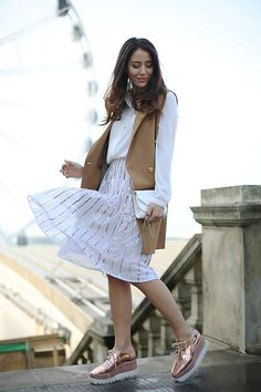 Tamara Kalinic looks gorgeous wearing the JOLINE skirt! High Heels Outfit, Oxford Shoes Outfit, Heels Outfits, Stella Shoes, Casual Wear, Casual Outfits, Work Outfits, Casual Chic, Glam And Glitter