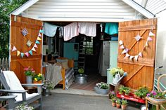 Charming Modern Outdoor Home Office Sheds Ultra Modern Backyard Shed with Skylights Pop Up Room Summer House Ideas – Garden Shed – Summer House for Garden. Shed Organization, Shed Storage, Storage Ideas, Small Storage, Organisation Ideas, Backyard Sheds, Backyard Retreat, Backyard Barn, Backyard Storage