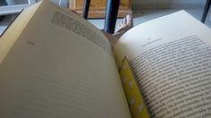 Tener un rato libre para sentarse a leer en el sofa... #seloqueestaspensando #johnverdon