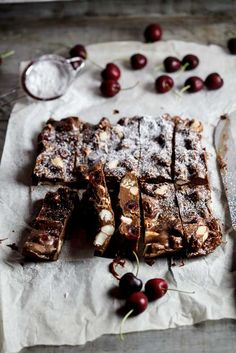Beautifully festive rocky road bars | simply-delicious.co.za #Recipe #Christmas