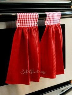 Red gingham towels hanging kitchen towel red kitchen towel hanging hand towel country kitchen decorative towel kitchen decor by joybabybear on etsy Dish Towel Crafts, Dish Towels, Easy Sewing Projects, Sewing Crafts, Sewing Hacks, Kitchen Decor Sets, Hanging Towels, Kitchen Towels Hanging, Kitchen Hand Towels