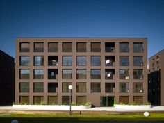 KAAN Architecten - St.Jacques-de-la-Lande, Rennes, France (2014) #housing #apartments #classic