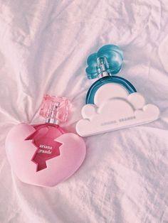 - Make up - perfume Ari Perfume, Ariana Merch, Ariana Grande Perfume, Ariana Grande Nails, Ariana Grande Photoshoot, Ariana Grande Wallpaper, Accesorios Casual, Perfume Collection, Aesthetic Makeup