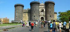 Castel Nuovo / Maschio Angioino / - Napoli, Nikon Coolpix L310, 6.2mm,1.160s,ISO80,f/9.4,panorama mode: segment 2, 201507131529