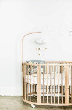 Loft Reveal: {The New Nursery – Baby Bed – Babyfotos Chic Master Bedroom, Baby Bedroom, Baby Room Decor, Nursery Room, Kids Bedroom, Nursery Decor, Apartment Nursery, Babies Nursery, Baby Bedding