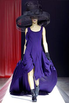 Yohji Yamamoto Spring 2012 Ready-to-Wear Collection Photos - Vogue