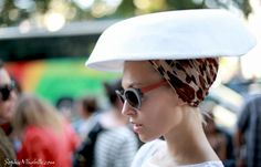 #evaanakazic #hat #chapeau #white #blanc #shirt #fashion #chic #women #style #look #outfit #streetchic #streetfashion #streetstyle #street #women #mode #paris #moda by #sophiemhabille