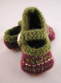Hand Knit baby booties, tartan toes bramble mix £10.00