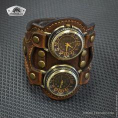 Купить или заказать Часы 'Батискаф' в интернет-магазине на Ярмарке Мастеров. Вдвое больше часов, чем необходимо. И это интересно) Одни часы пришлось разобрать и перевернуть, чтоб крутилка была с другой стороны. Сложная система крепления и неповторимый внешний вид.