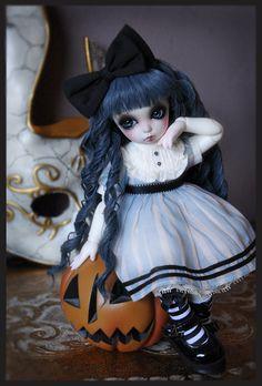 "Sundae ""Pretty Pumpkin""   by Clockwork_Angel"