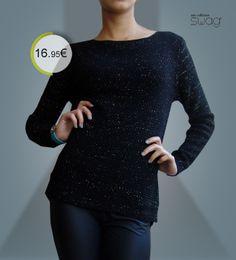 Camisola modelo MIDNIGHT GLOW, tamanho único. Comprimento à frente:61cm | atrás:75 cm /// largura: 92 - 110 cm  Composição: 50% lã e 50% acrícilo. Quentinha e não pica! www.facebook.com/swaglowcost