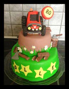 Tractor cake (Massey Ferguson)