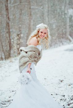 Winter bridal portraits  |  The Frosted Petticoat