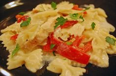 Bowtie Pasta with Roasted Red Peppers and Grilled Chicken