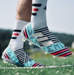 Best Soccer Shoes, Best Soccer Cleats, Soccer Gear, Adidas Soccer Boots, Adidas Cleats, Adidas Football, Cool Football Boots, Football Shoes, Football Cleats