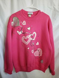 Upcycled Vintage, Vintage Wool, Linkin Park Logo, Kids Outfits, Casual Outfits, Puff Paint, Sweatshirt Outfit, Vintage Ladies, Hearts
