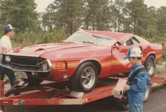 Wrecked shelby gt 350 mustang