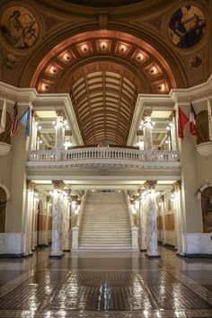 Top 5 Capitols in the United States Pierre South Dakota, South Dakota State, Column Capital, Capital City, Classical Interior Design, Take Five, Dormer Windows, Moorish, Green Building
