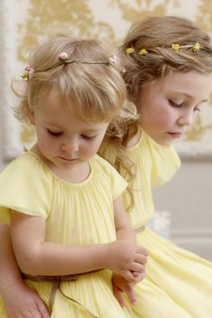 Have the flower girls match the bridesmaids with beautiful delicate yellow dresses for a nice spring of summer wedding Fashion Kids, Toddler Fashion, Precious Children, Beautiful Children, Cute Kids, Cute Babies, Little Ones, Little Girls, Sweet Girls