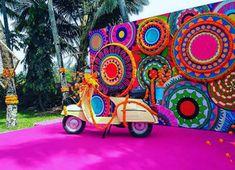 Indian Wedding Favors, Desi Wedding Decor, Luxury Wedding Decor, Wedding Stage Decorations, Backdrop Decorations, Diy Wedding, Punjabi Wedding Decor, Mehendi Decor Ideas, Mehndi Decor