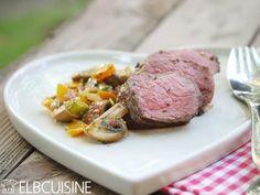 """Bison-Steak mit Pilzsalat: Eine wahre Köstlichkeit aus Kanada! Diese Rezeptidee kommt von dem Foodblog """"Elbcuisine"""". http://www.fuersie.de/kochen/foodblogger/artikel/bison-steak-mit-pilzsalat-rezept"""