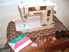 Singer 401A Slant Sewing Machine - Mom's machine (Mom's)