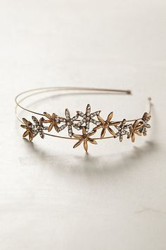 Sparkly starbursts just might be the perfect winter hair accessory to complement the snowflakes outside.