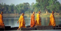Circuit au Cambodge. Les moines bouddhistes... tout le charme d'un circuit au Cambodge.