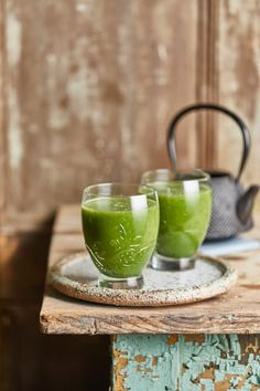Igyatok zöld smoothie-t reggelire! | Street Kitchen Healthy Dishes, Healthy Recipes, Healthy Food, Warm Food, Moscow Mule Mugs, Food Styling, Sugar Free, Smoothies, Dairy Free