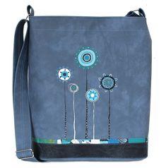906+-+modrá+Originální+ručně+malovaná+taška+speciálnímivoděodolnými+barvami,které+jsou+stálobarevné,odolné+vůči+oděru,pružné+a+omyvatelné.+Barevný+podklad:modrošedý+melír.+Uvnitř+taškyje+jedna+dělená+kapsa.+Délka+ramínka+je+nastavitelná+(max.délka+130+cm).+Rozměry:+výška34+cm,+šířka+32,5+cm+(+dno+28x8+cm).+Každá+taška+je+vystavena+pouze+v+jediném... Coin Purses, Totes