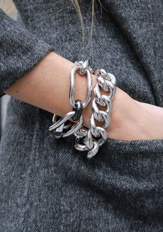 c95de312e1b9 Lovely the chunk chain bracelets stacked together. Great statement jewelry  look.
