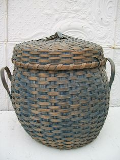 Early Antique Splint Woven Basket w/ lid