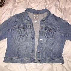 Jean jacket Old Navy jean jacket in perfect condition. Only worn once or twice. Old Navy Jackets & Coats Jean Jackets
