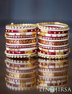 Shailja & Utkarsh Thread Bangles Design, Gold Bangles Design, Gold Jewellery Design, Ankle Jewelry, Hand Jewelry, Chuda Bangles, Gujrati Wedding, Fancy Jewellery, Bead Jewellery