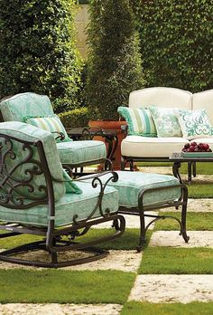 Bring the Big Easy into your outdoor space with the Orleans Seating, a beautifully designed and detailed cast aluminum boasting plush, comfortable cushions.