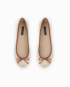 classic ballet flat in brown colors, perfect for fall
