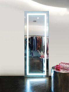 Espejos vestidor con luz Aurora. Decoración Beltrán, tu tienda online de espejos vestidores con luz.