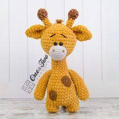 Gladys the Giraffe Amigurumi Crochet Pattern Rope Crafts, Diy Crafts Jewelry, Types Of Yarn, Crochet Toys, Crochet Baby, Plush Animals, Handmade Toys, Pet Toys, As You Like