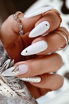 Edgy Nails, Stylish Nails, Trendy Nails, Classy Nails, Edgy Nail Art, Elegant Nail Art, Gold Nail Art, White Nail Art, Almond Nails Designs