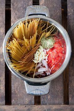 10 schnelle und einfache vegane Rezepte: One Pot Pasta Grundrezept - kochkarussell.com