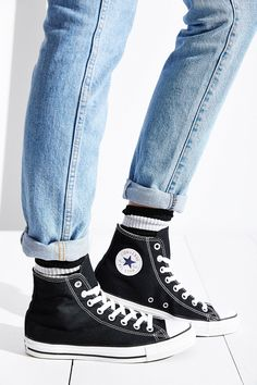 Converse Chuck Taylor All Star High-Top Womens Sneaker - Urban Outfitters Converse All Star, Converse Haute, Black Converse, Outfits With Converse, Converse Chuck Taylor All Star, Chuck Taylor Sneakers, Galaxy Converse, High Cut Converse Outfit, Converse Shoes Men