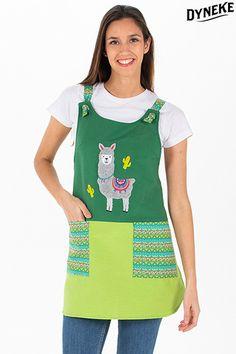 Estola , casullas de profesora. Estola con bordado. Estola con gatito.Batas y estolas de maestra. Dame, Apron, Bb, Ideas, Fashion, Professional Wardrobe, Uniform Design, Work Uniforms, Outfit