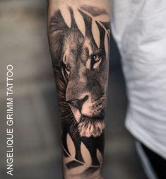 Beautiful lion tattoo by lill Lion Sleeve, Lion Tattoo Sleeves, Mens Lion Tattoo, Sleeve Tattoos, Lion Forearm Tattoos, Calf Tattoo, Feather Tattoos, Forarm Tattoos, Ink Tattoos
