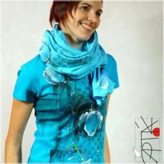 hand painted T-shirt and scarf by Apták