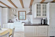 Landhausküche in weiß