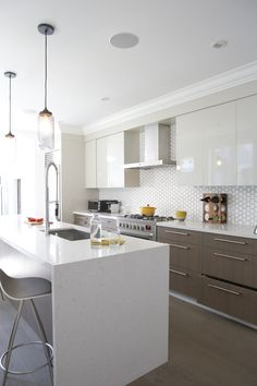 tuxedo kitchen in subtle colors & hex backsplash