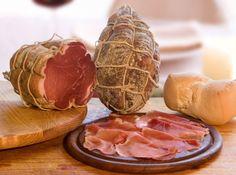 the best culatello from Parma Italian Dishes, Italian Recipes, Wine Recipes, Great Recipes, Charcuterie, European Cuisine, Italy Food, Smoking Recipes, Exotic Food