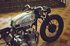 Custom Honda CB550 by Chris Dekker of Holland's Tin Can Customs.